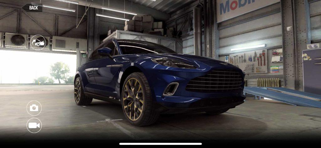 Aston Martin DBX CSR2